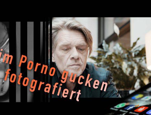 """""""Beim Pornogucken fotografiert"""""""